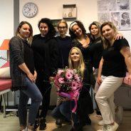 La nostra insegnante  insieme ai nostri studenti durante l'esame del  Corso di Estetica Nella nostra sede di Latisana !!!! Complimenti !!!!